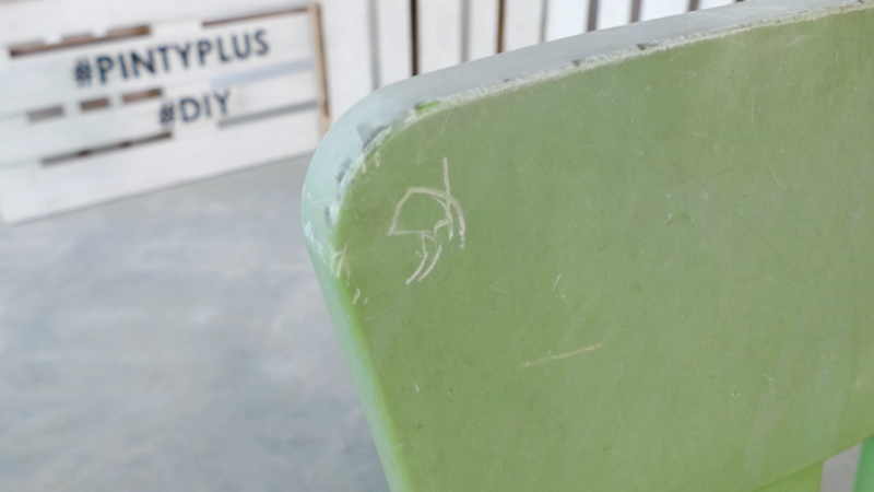 How to spray paint a plastic chair before
