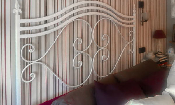 How to spray paint a wrought iron headboard after