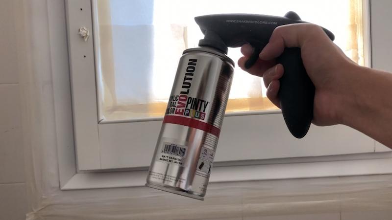 apply the varnish coat of pintyplus spray