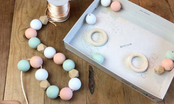 DIY garland from wooden beads 2