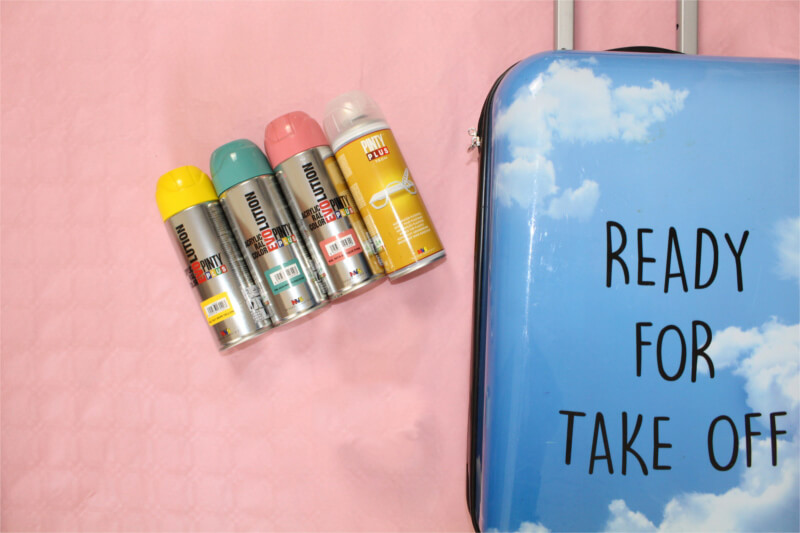 How To Remove Spray Paint From Plastic >> Spraypaint How To Paint A Plastic Suitcase In Five Steps