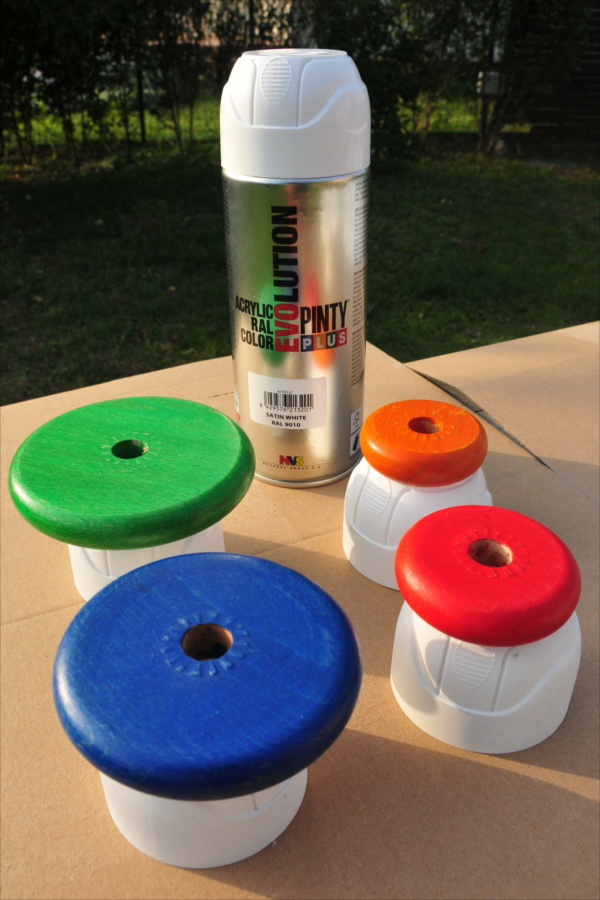 Paint-toy-in-object-decorative-with-spray-Pintyplus