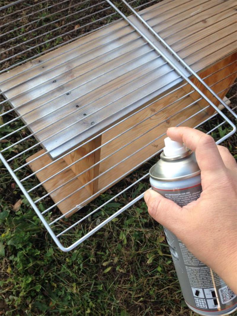 Primer-Pintyplus-for-grates-fridge-with-spray