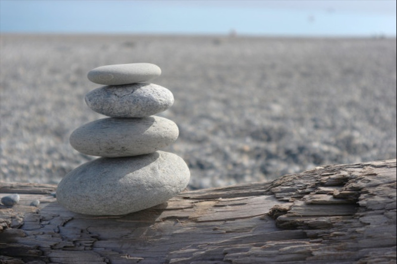 Tower-of-stones-on-the-beach