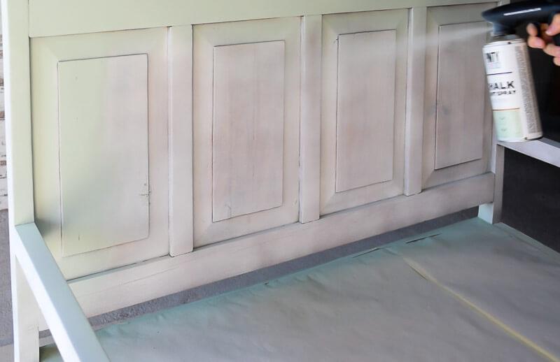 paint-furniture-wood-tannins-chalk-paint