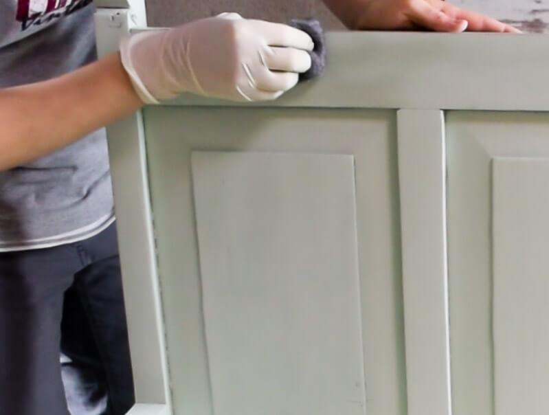 paint-furniture-wood-tannins-wool-steel