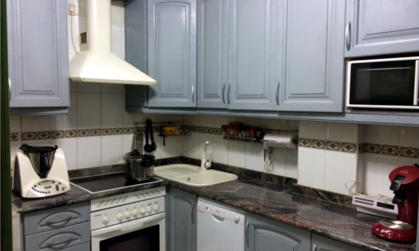 paint-kitchen-with-spray-paint-after